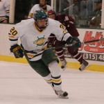 Selleck inks deal with Panthers