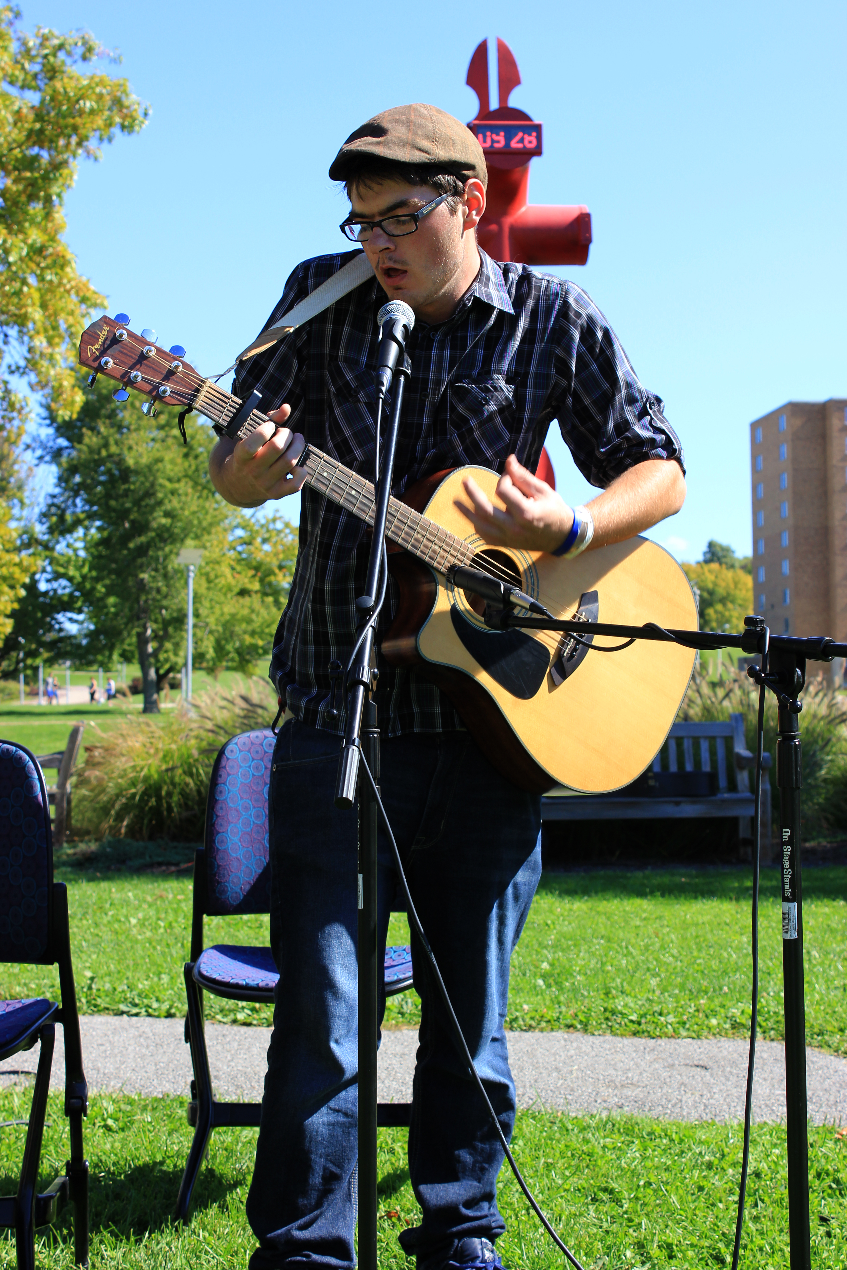acoustics in the quad 044