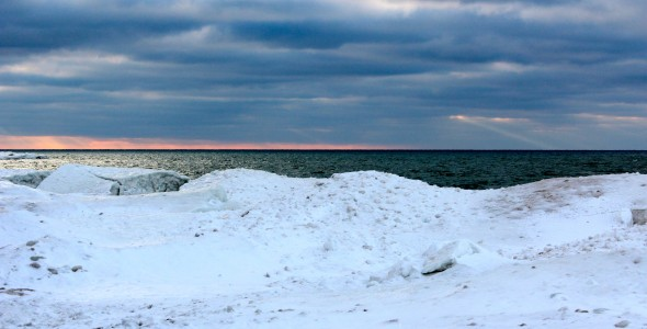 A cold Lake Ontario sunset. David Armelino | The Oswegonian