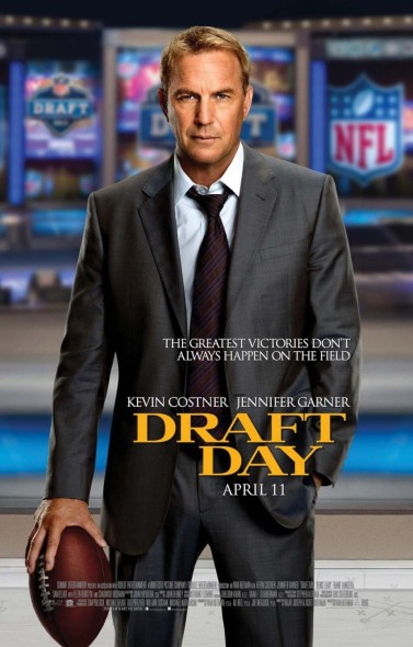 Kevin Costner plays an NFL executive trying to make moves on Draft Day.  (Photo provided by impawards.com)