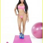 Minaj's 'Anaconda' video says sexy not scandalous