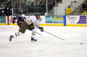 Oswego State edged out a team of top teenage prospects last weekend. Now, it looks to get off to a fast start in SUNYAC play tonight at Buffalo State (David Armelino | The Oswegonian).