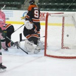 Women's ice hockey tallies eight in Pink the Rink finale