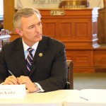 Rep. Katko visits Oswego; talks economy