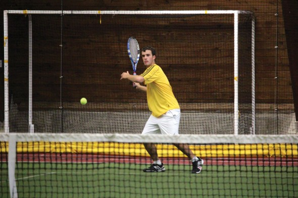 Junior transfer Alex McCarthy has enjoyed some early success in the Lakers No. 1 singles position.  (David Armelino | The Oswegonian)