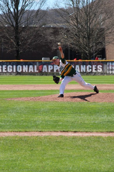 Brendyn Karinchak was awarded the win in the 9-5 victory over SUNY Fredonia. (Seamus Lyman | The Oswegonian)