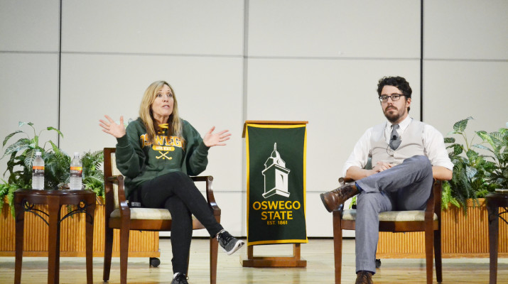 ESPN sportscaster Linda Cohn (left) answers student questions about her career. The Q&A was moderated by Oswego State professor Brian Moritz (right).  Photo by Taylor Woods