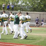 4 things: Lakers take advantage of walks in 9th inning to complete Game 1 comeback