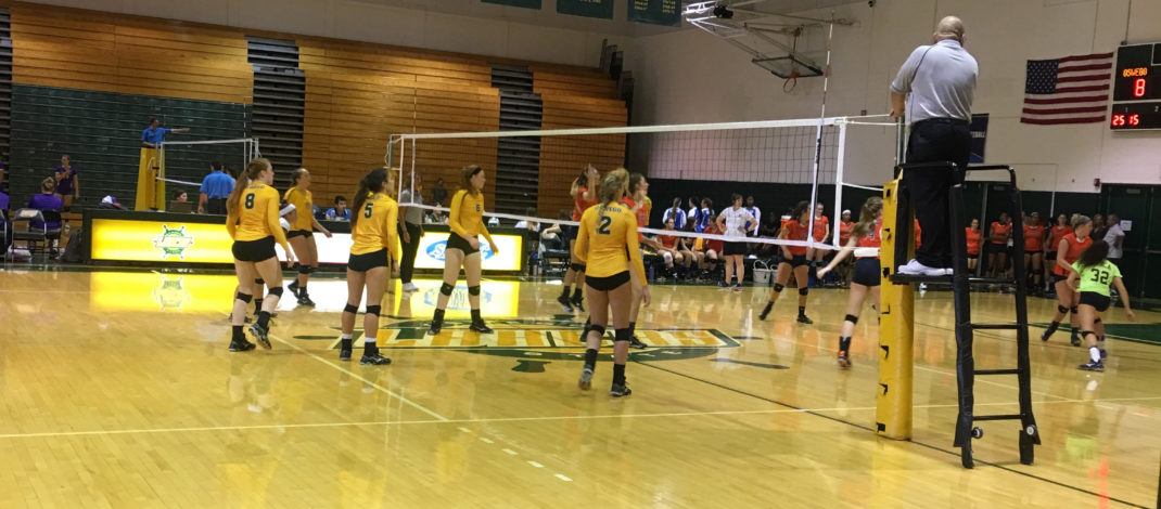 Volleyball dominates first day of Oswego State Invitational, earns wins in three straight matches after Saturday morning victory over Utica College