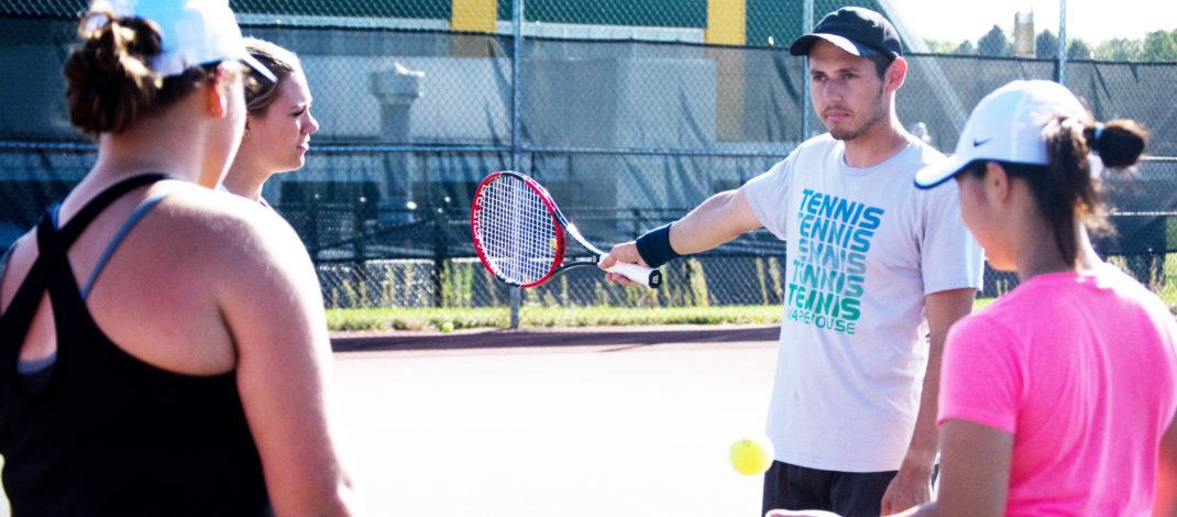 Women's tennis wins back-to-back matches, freshman making impact