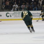 Men's hockey splits their opening weekend